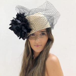 FASCINATORS AND HATS FOR GUESTS