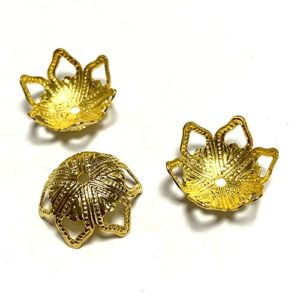 BEZEL AND FILIGREE CUPS